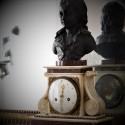 Pendule borne au buste de Louis XVII