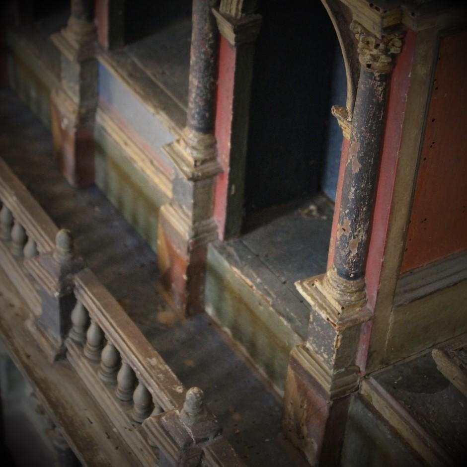 Cabinet italien en bois peint